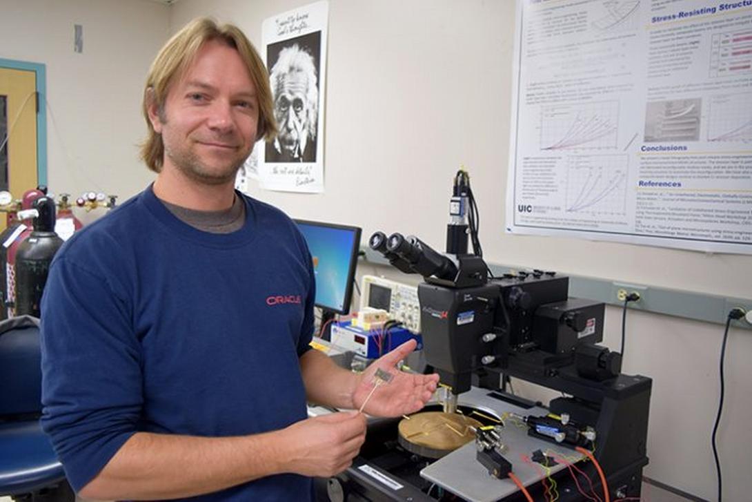 Professor Igor Paprotny