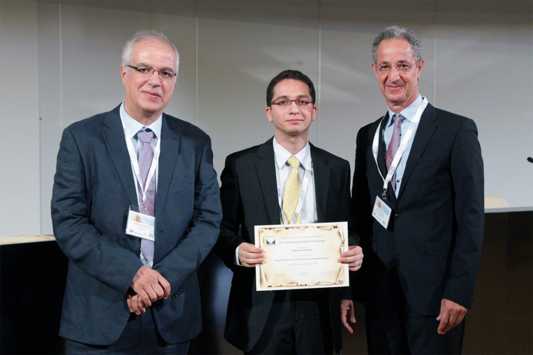 Professor Soltanalian with award